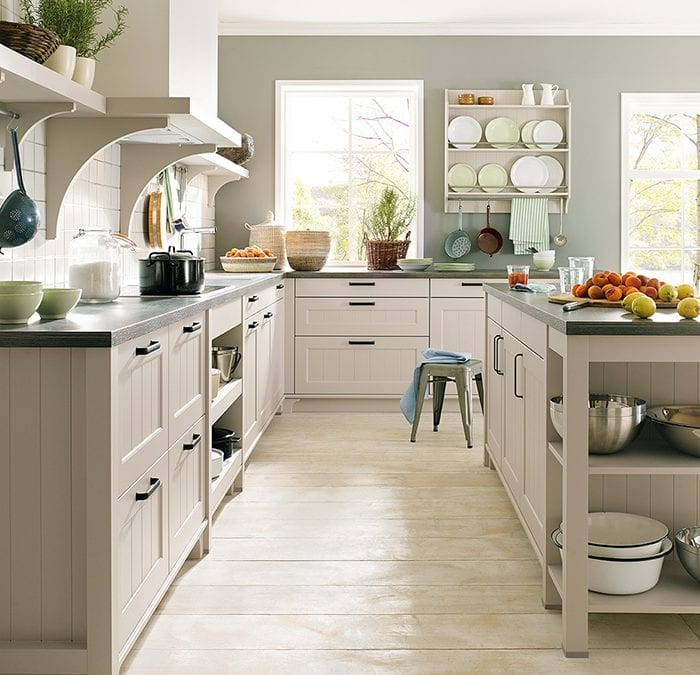 Celebrate St. Georges Day with a Traditional British Inspired Kitchen!
